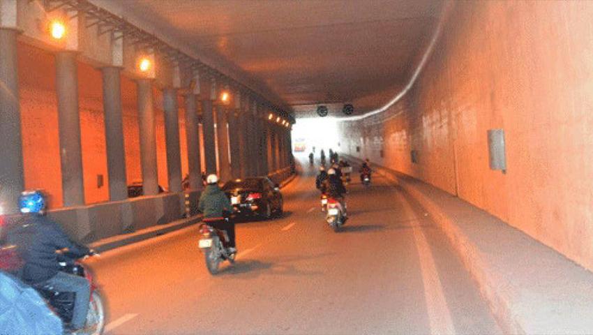 Những điều cấm kị khi lái ô tô trong hầm đường bộ - 02