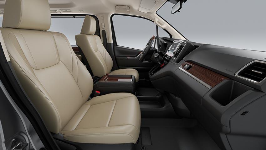 Toyota giới thiệu Hiace thế hệ mới, Granvia hoàn toàn mới và Land Cruiser Prado 2020 - 2