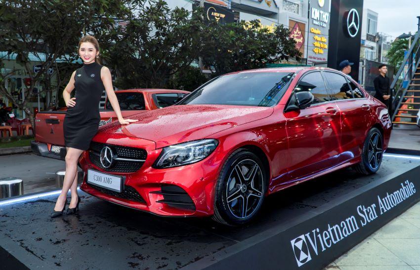 Mô hình trưng bày xe Mercedes-Benz