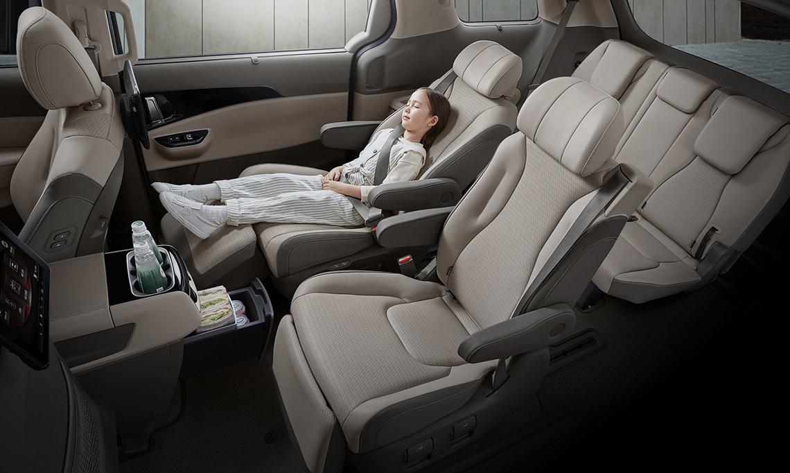 Lô diện Kia Sedona 2021 với nội thất thiết kế cao cấp - 4