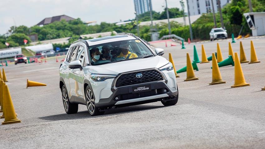 Chi tiết Toyota Corolla Cross phiên bản nâng cấp thể thao đang được mong đợi - 17