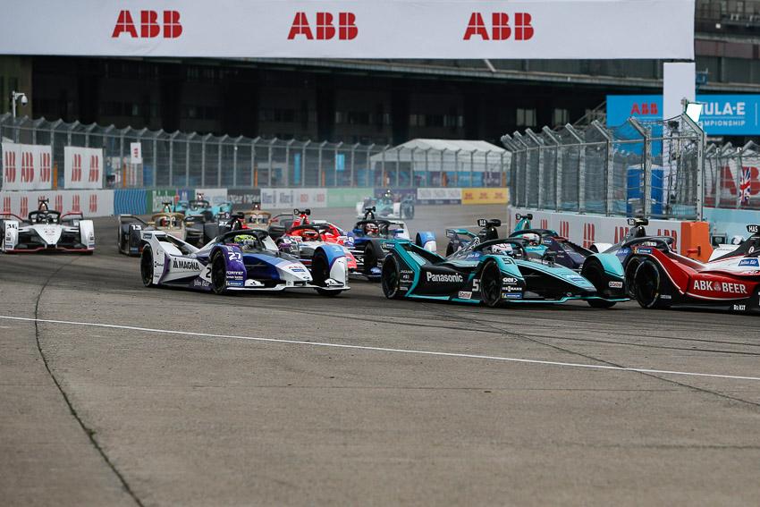 Đội đua Panasonic Jaguar kết thúc tại vị trí thứ 7 - 9