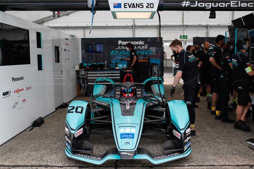 Đội đua Panasonic Jaguar kết thúc tại vị trí thứ 7 - 5