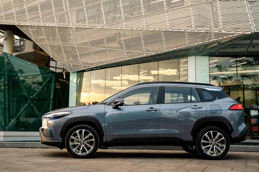 Toyota Corolla Cross có giá khởi điểm từ 720 triệu đồng - 9