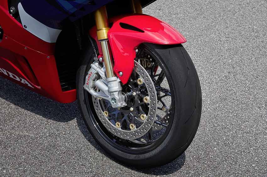 Honda CBR1000RR-R Fireblade 2020 ra mắt, giá từ 949 triệu đồng - 2