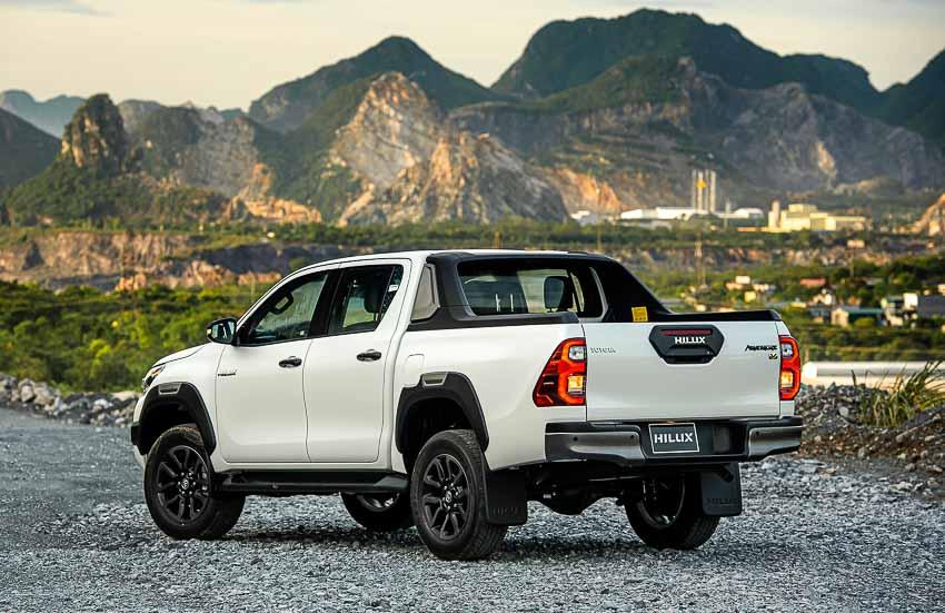 Toyota Hilux 2020 cải tiến vượt trội về thiết kế, công nghệ an toàn - 1