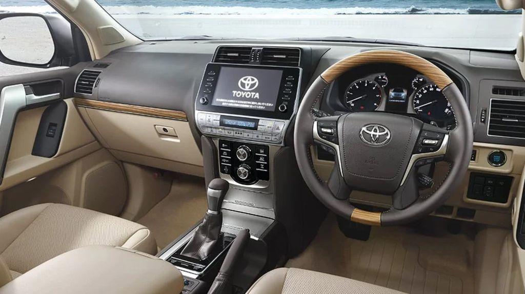 Toyota Land Cruiser Prado 2021 ít thay đổi, nâng cấp động cơ - 6