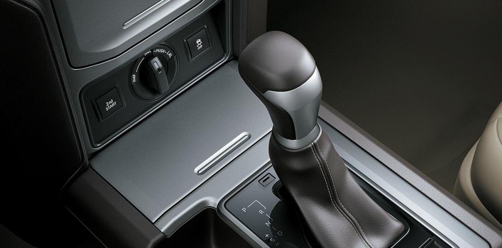 Toyota Land Cruiser Prado 2021 ít thay đổi, nâng cấp động cơ - 8