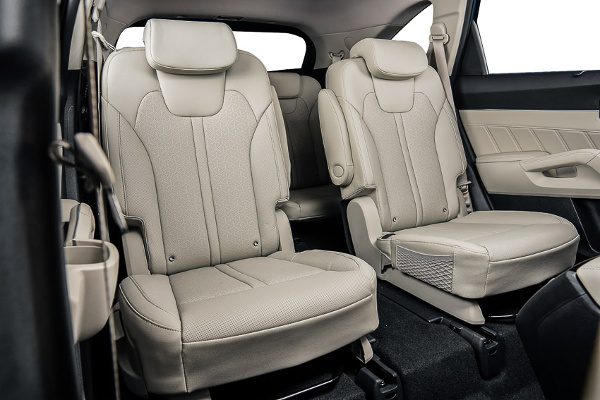 Kia Sorento 2021 ra mắt Việt Nam có 9 phiên bản, giá từ hơn 1 tỷ đồng - 28