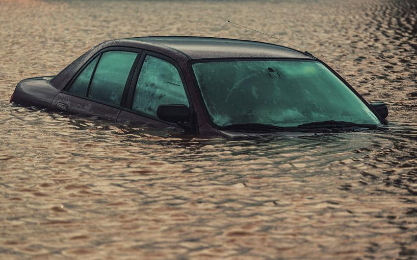 Những lưu ý quan trọng sau khi ô tô bị ngập trong bùn lầy - 1