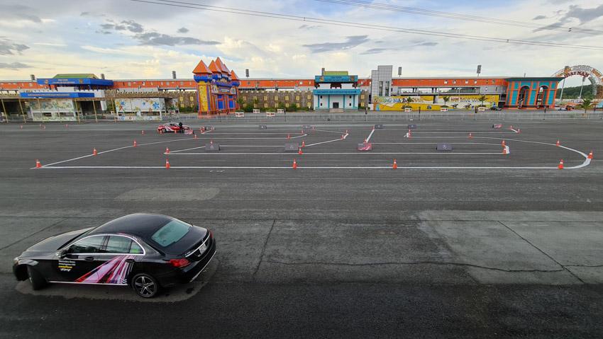 Học viện Lái xe An toàn Mercedes-Benz 2020 - Từ đường đua đến đường phố 18