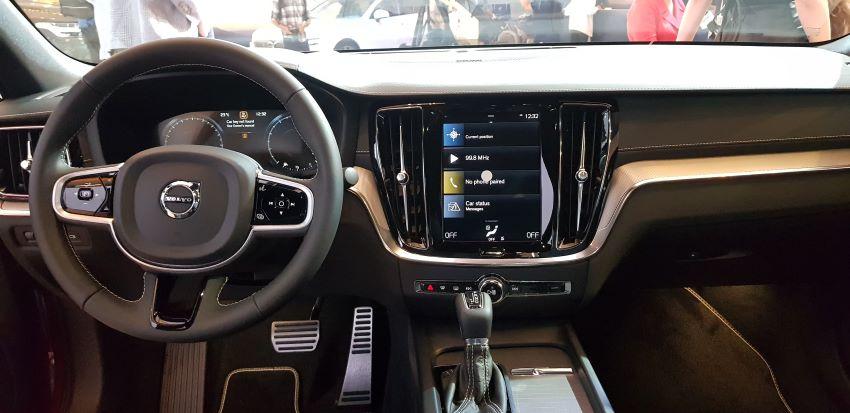 xe Volvo XC90 T8