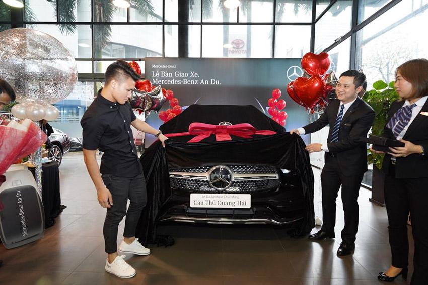"""Tiền đạo Quang Hải mạnh tay """"chốt"""" Mercedes-Benz GLC 300 4MATIC có giá 2,4 tỷ đồng- 1"""
