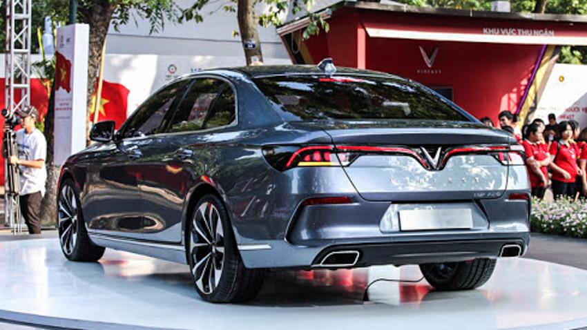 Cơ hội mua VinFast Lux A2.0 giá tốt nhất trong tháng 11-10