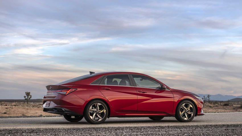 Hyundai Elantra 2021 mới