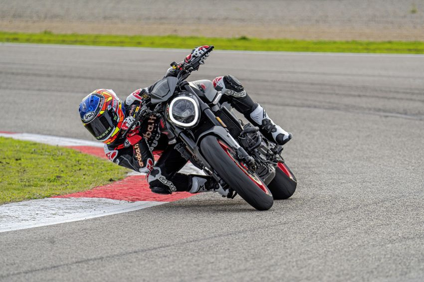 xe Ducati Monster 2021