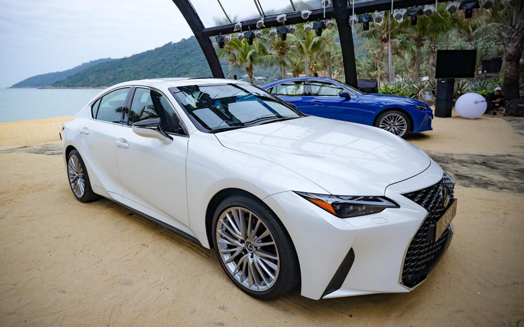Chiêm ngưỡng sedan thể thao hạng sang cỡ nhỏ Lexus IS 2021 ra mắt tại Việt Nam-01