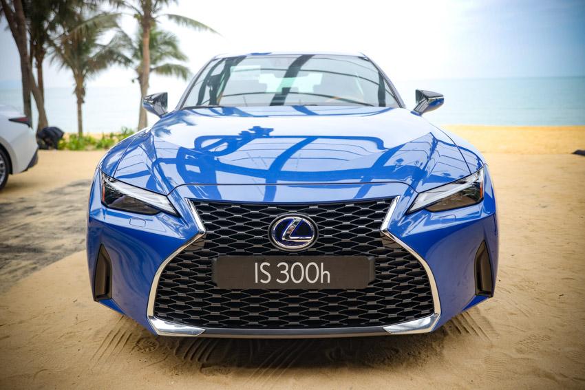 Chiêm ngưỡng sedan thể thao hạng sang cỡ nhỏ Lexus IS 2021 ra mắt tại Việt Nam-14