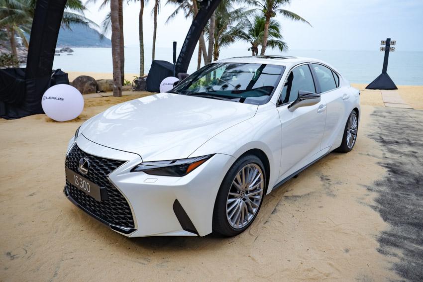 Chiêm ngưỡng sedan thể thao hạng sang cỡ nhỏ Lexus IS 2021 ra mắt tại Việt Nam-15