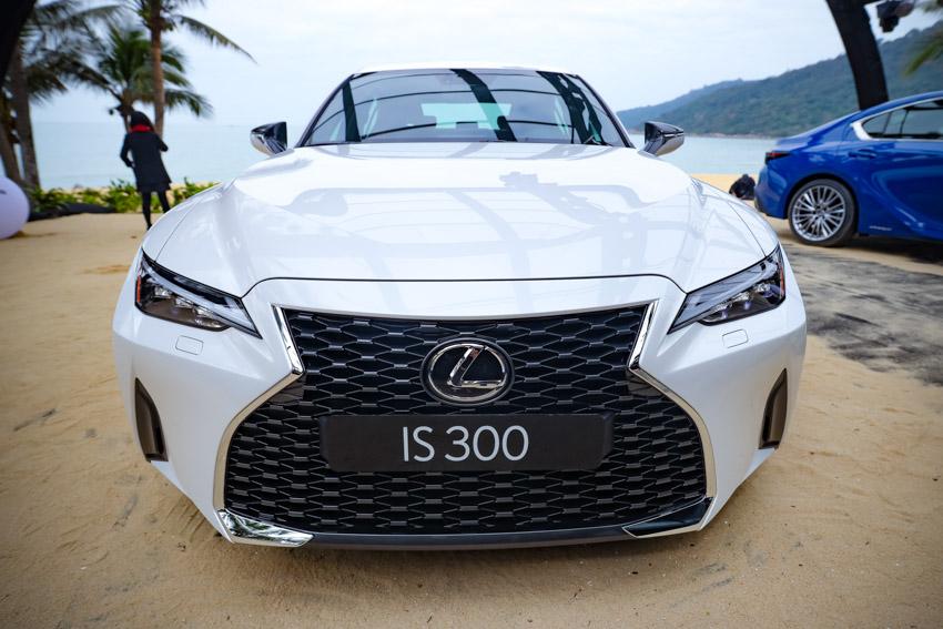 Chiêm ngưỡng sedan thể thao hạng sang cỡ nhỏ Lexus IS 2021 ra mắt tại Việt Nam-18