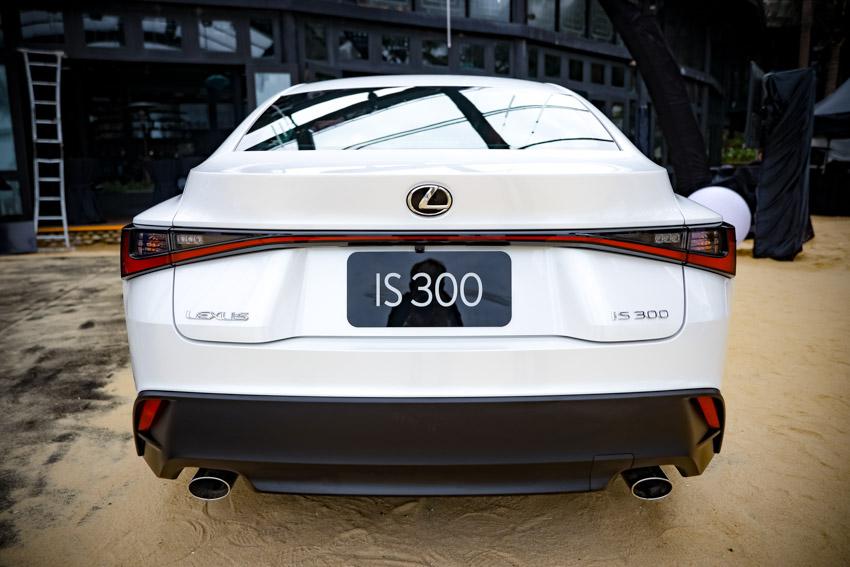 Chiêm ngưỡng sedan thể thao hạng sang cỡ nhỏ Lexus IS 2021 ra mắt tại Việt Nam-2