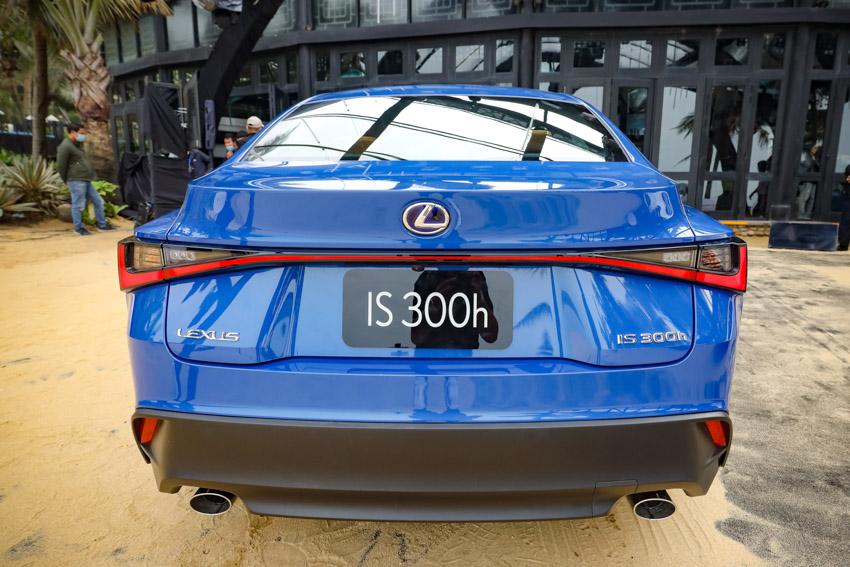 Chiêm ngưỡng sedan thể thao hạng sang cỡ nhỏ Lexus IS 2021 ra mắt tại Việt Nam-30