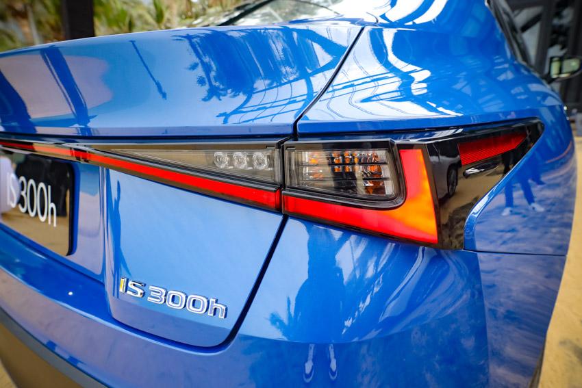 Chiêm ngưỡng sedan thể thao hạng sang cỡ nhỏ Lexus IS 2021 ra mắt tại Việt Nam-31