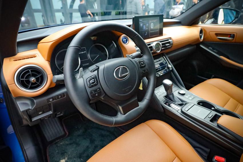 Chiêm ngưỡng sedan thể thao hạng sang cỡ nhỏ Lexus IS 2021 ra mắt tại Việt Nam-34