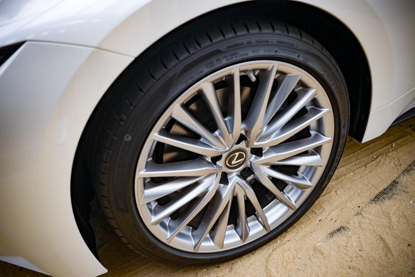 Chiêm ngưỡng sedan thể thao hạng sang cỡ nhỏ Lexus IS 2021 ra mắt tại Việt Nam-6