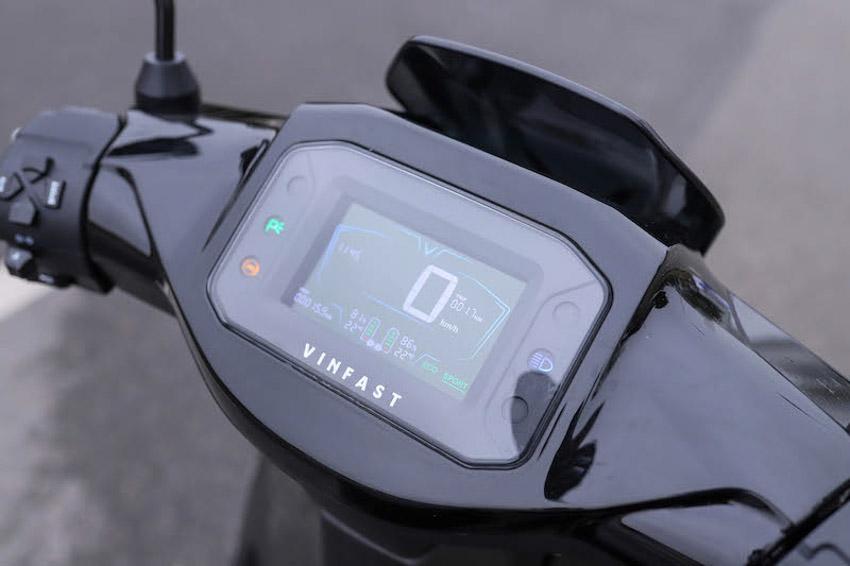VinFast ra mắt hai siêu phẩm xe máy điện: Rất an toàn và ngập tràn công nghệ - 10