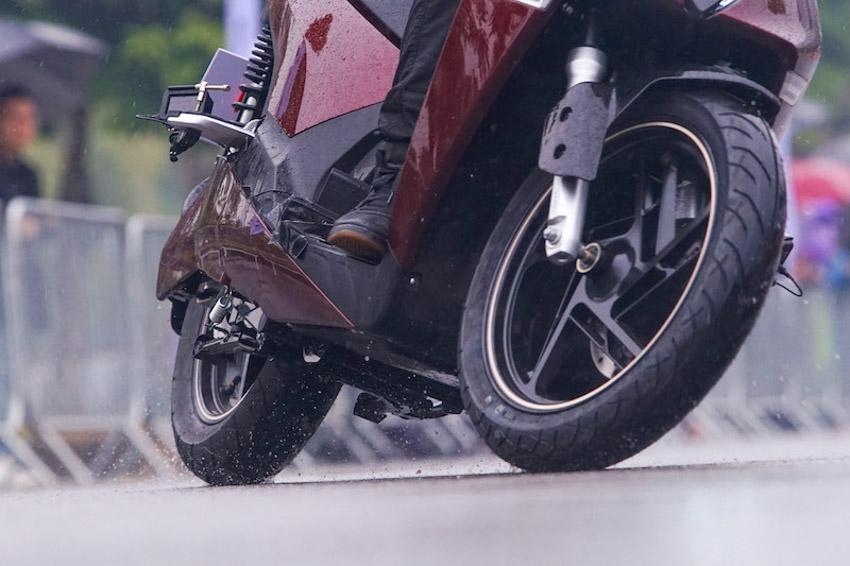 VinFast ra mắt hai siêu phẩm xe máy điện: Rất an toàn và ngập tràn công nghệ - 5