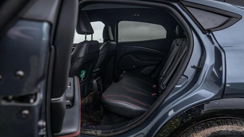 Ford Mustang Mach-E GT - xe điện có tốc độ nhanh nhất phân khúc - 12
