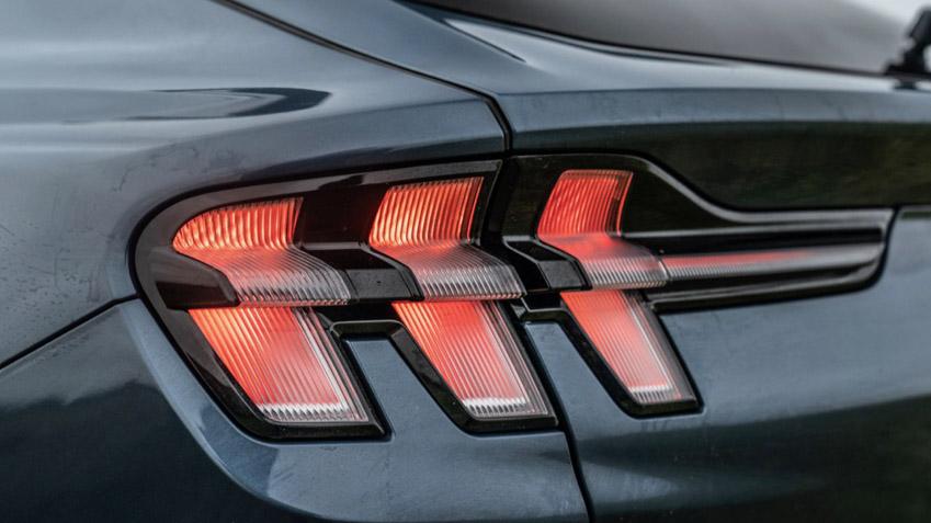 Ford Mustang Mach-E GT - xe điện có tốc độ nhanh nhất phân khúc - 4