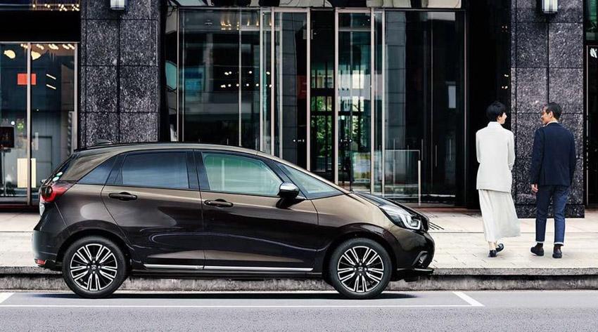 """Honda Jazz ra mắt tại Singapore """"gây sốc"""" đắt ngang Mercedes GLC ở Việt Nam - 14"""