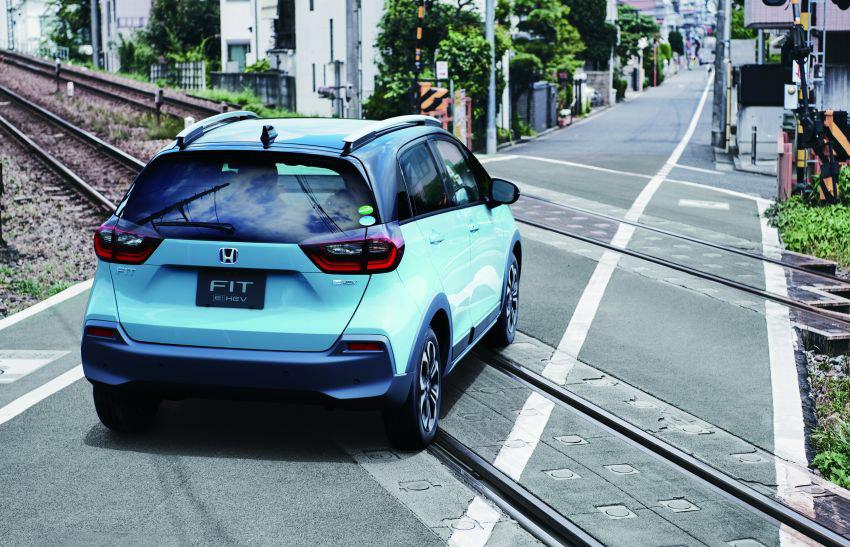 """Honda Jazz ra mắt tại Singapore """"gây sốc"""" đắt ngang Mercedes GLC ở Việt Nam - 8"""