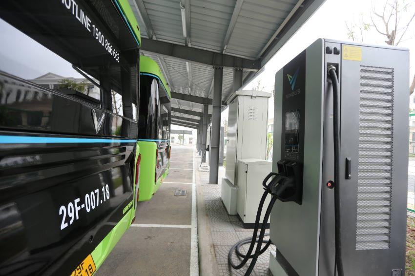 xe buýt điện VinBus