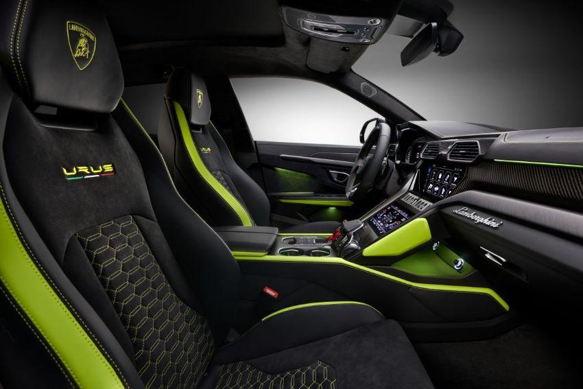 15.000 xe Lamborghini Urus