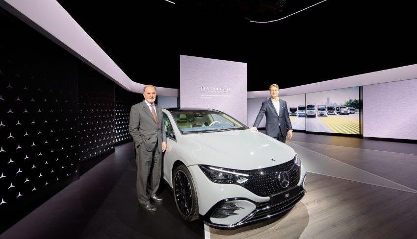 Daimler tách thành 2 công ty
