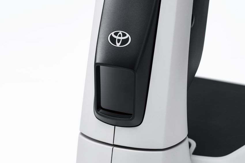 Toyota C + walk